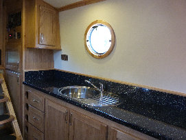 cain_narrowboats_7_sam052003.jpg