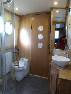 cain_narrowboats_7_sam052011.jpg