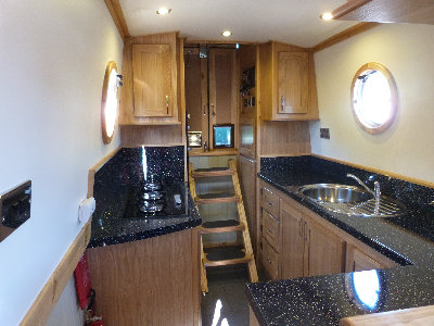 cain_narrowboats_7_sam052028.jpg