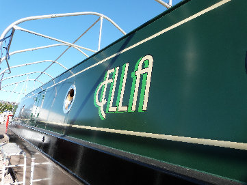 cain_narrowboats_7_sam052029.jpg